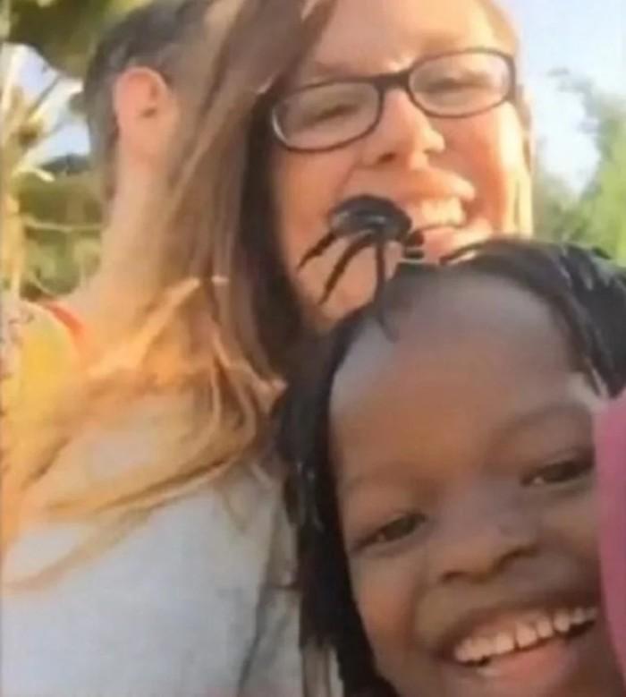 Удочеренная девочка из Уганды выучила английский и рассказала всю правду о себе Уганда, Усыновление, История, Не мое, Длиннопост