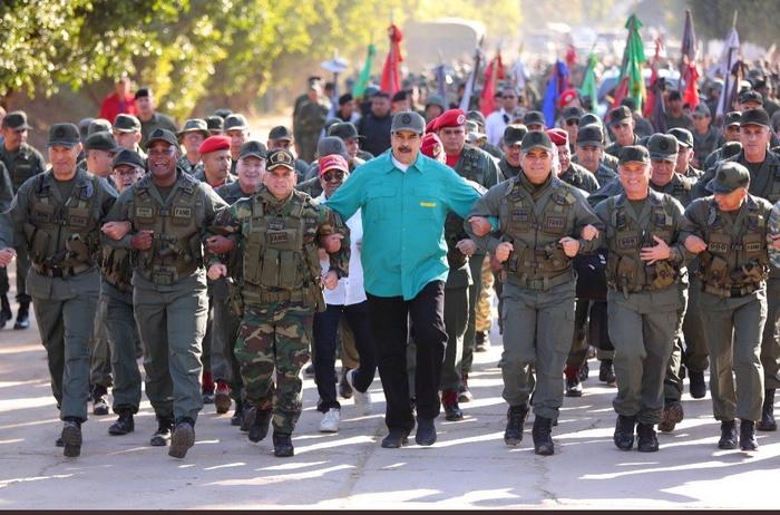 Социалист Мадуро или военная диктатура? Николас Мадуро, Венесуэла, Венесуэльский кризис, Политика