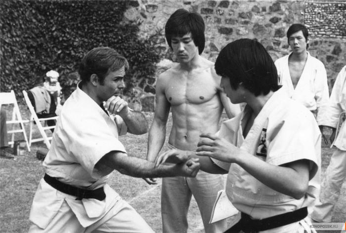 Интересные факты: «Выход дракона» (1973) Брюс Ли, Выход дракона, Интересные факты о кино, Боевики, Боевые искусства, Фильмы, Длиннопост