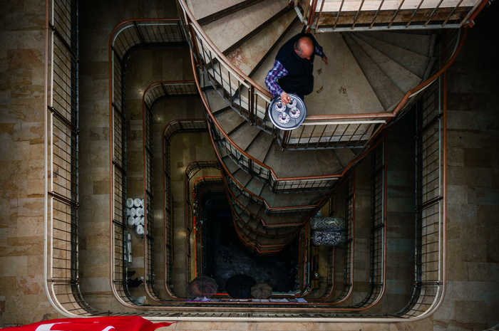 Двор-атриум в Стамбуле Стамбул, Двор, Атриум, Винтовая лестница