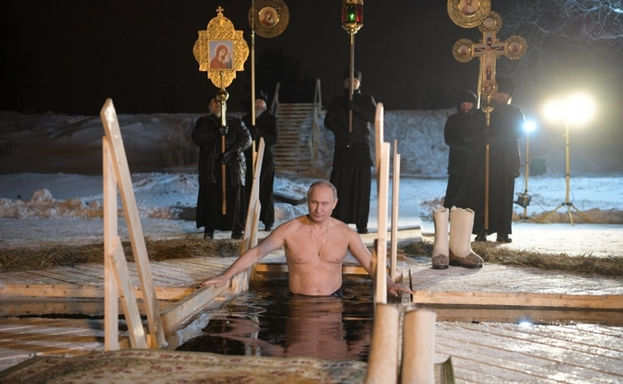 Тест Роршаха Путин, Крещение, Политика