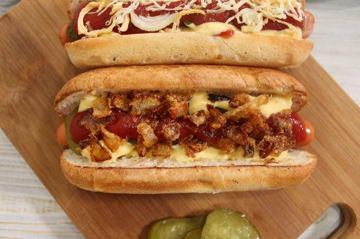 Хрустящий жареный и печеный лук. 2 добавки к хот-догу, бургеру да и вообще к всему. Еда, Видео рецепт, Приправы, Лук, Жареный лук, Фастфуд, Топпинг, Закуска, Видео, Длиннопост