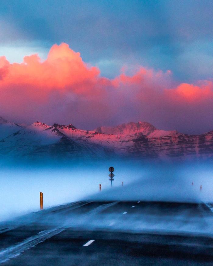 Закат и буря Фотография, Исландия, Закат, Облака, Дорога, Зима, Буря