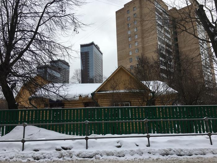 Москва, 2019 год, 11 км от Кремля Дом, Москва, Чудо, Повезло