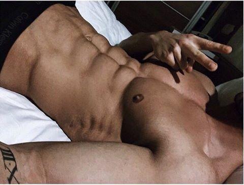 Парни в постели #2 Мужская красота, Мужчина, Парни, Девушкам, Торс, Накачанный, Длиннопост