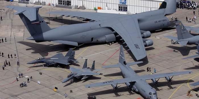 Ан-124 «Руслан» vs. С-5 «Гэлэкси»: битва небесных китов Длиннопост, Сравнение, Самолет, США, Россия