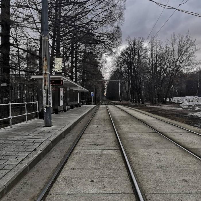 В ожидании трамвая Мобильная фотография, Трамвай, Фотография, Серость