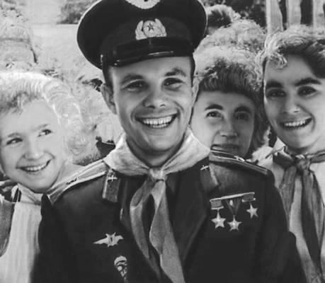 С днём Космонавтики! День космонавтики, Гагарин, Космонавт, Герой Советского Союза, Первый полет в космос