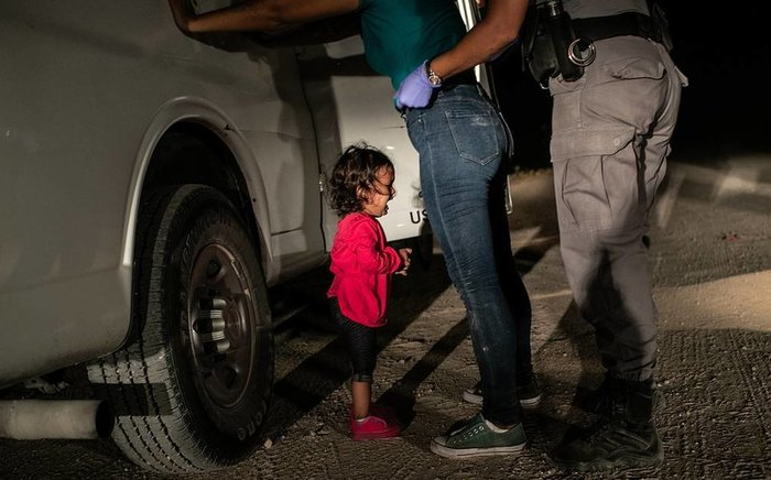Фото дня. Победитель World Press Photo 2019: обыск на границе Мексики и США Wordpress, Фотография, Граница, Обыск