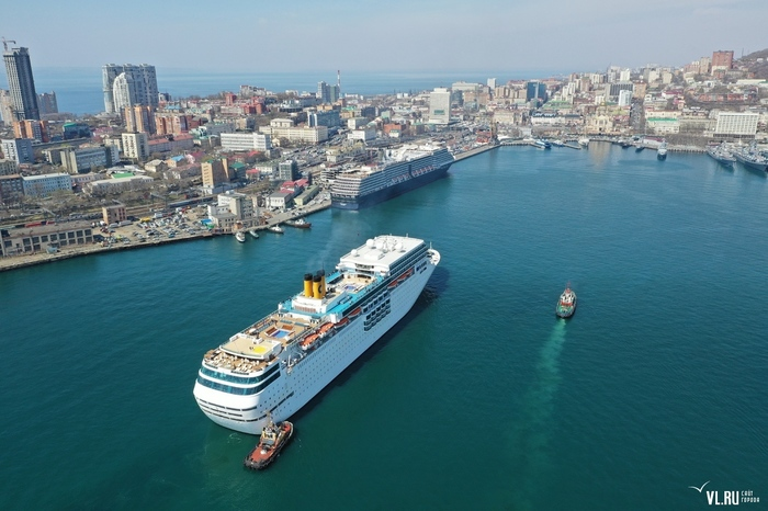 Два круизных лайнера впервые одновременно пришвартовались во Владивостоке Владивосток, Круиз, Круизные лайнеры, Туристы, Красота, Золотой рог, Длиннопост