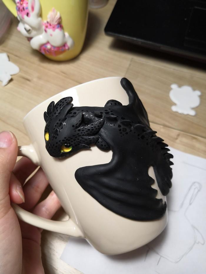 Декор кружки: много Беззубиков Полимерная глина, Рукоделие с процессом, Ручная работа, Как приручить дракона, Беззубик, Кружка с декором, Длиннопост