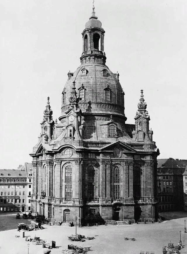 Почему немцы косо смотрят на Нотр-Дам-де-Пари? Германия, Вторая мировая война, Архитектура, Длиннопост, Дрезден