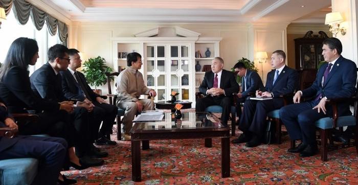 Назарбаев встретился с Джеки Чаном Нурсултан Назарбаев, Джеки Чан, Встреча, Китай, Длиннопост