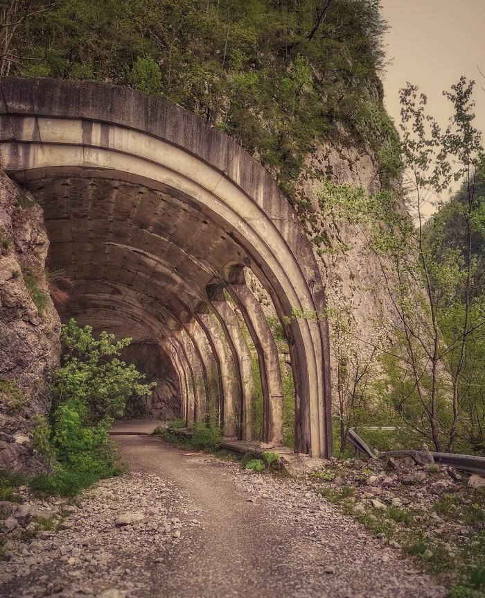 Старая краснополянская дорога Фотография, Заброшенное, Дорога, Горы, Длиннопост, Сочи