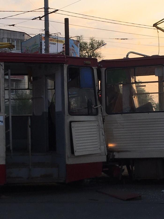 Трамвайное лобовое столкновение в Челябинске Челябинск, ДТП, Трамвай, Длиннопост