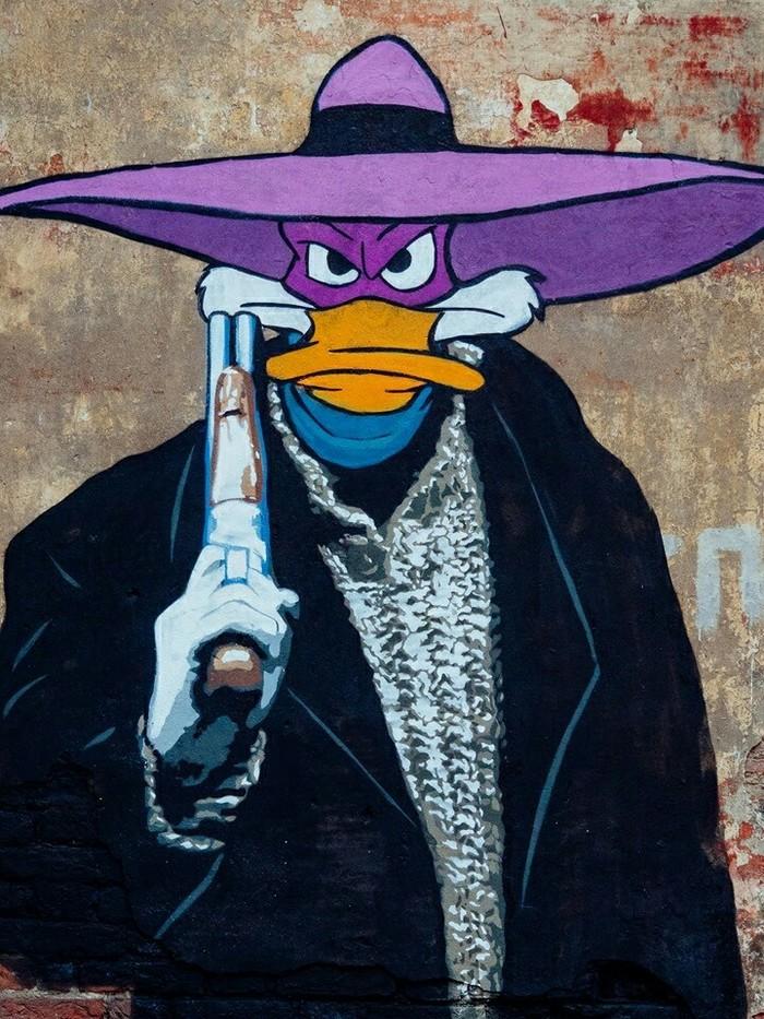 Мститель в чёрном Черный Плащ, Брат, Стрит-Арт, Граффити, 90-е, Мультфильмы, Фильмы, Длиннопост