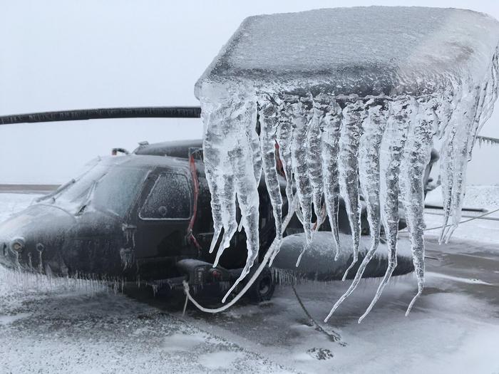 Вертолет и гололёд