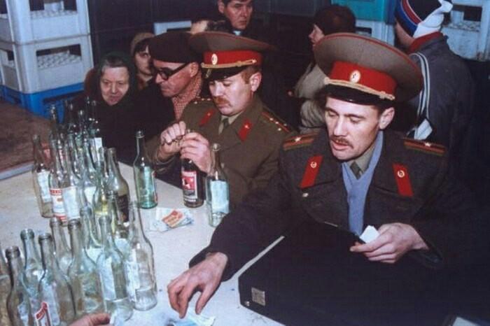 Обмен Алкоголь, 90-е, Обмен, Военнослужащие, Старое фото