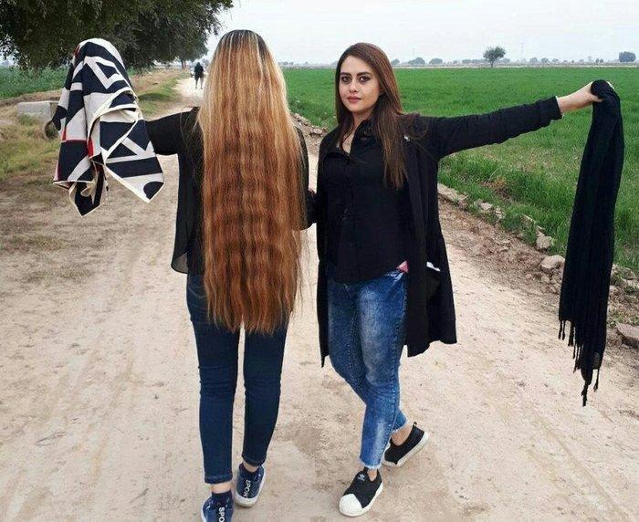 """""""В Иране все больше женщин протестуют против хиджаба"""""""