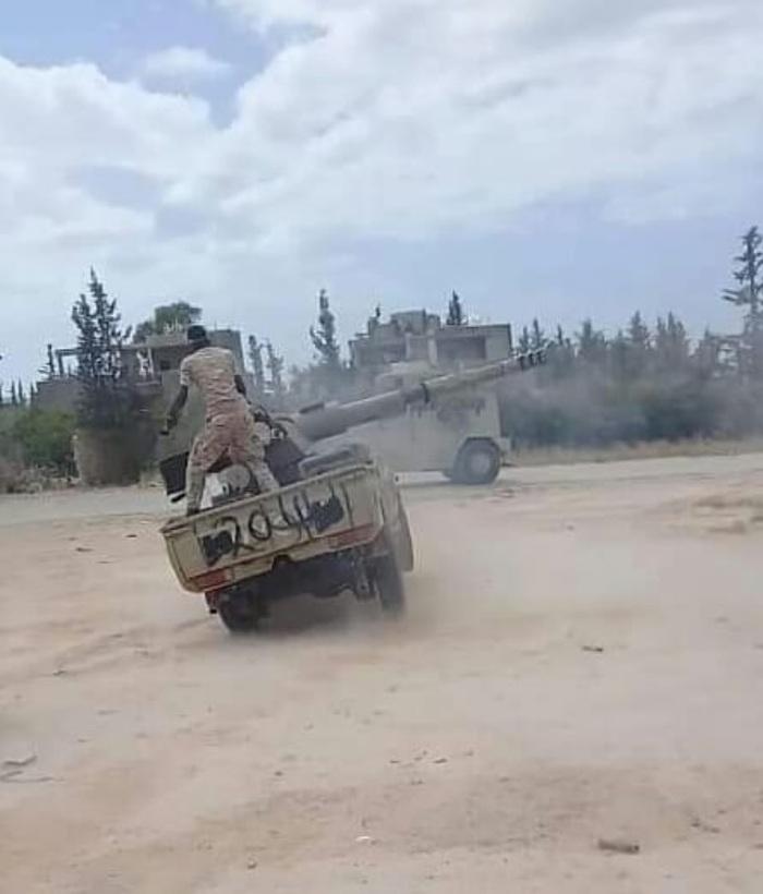 """Вкратце о стрельбе из 90-мм орудий установленных на """"Тойотах"""" в Ливии."""