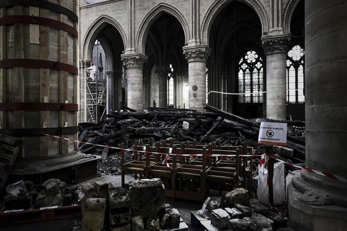 Собор Парижской Богоматери спустя месяц после пожара Франция, Париж, Пожар, Длиннопост