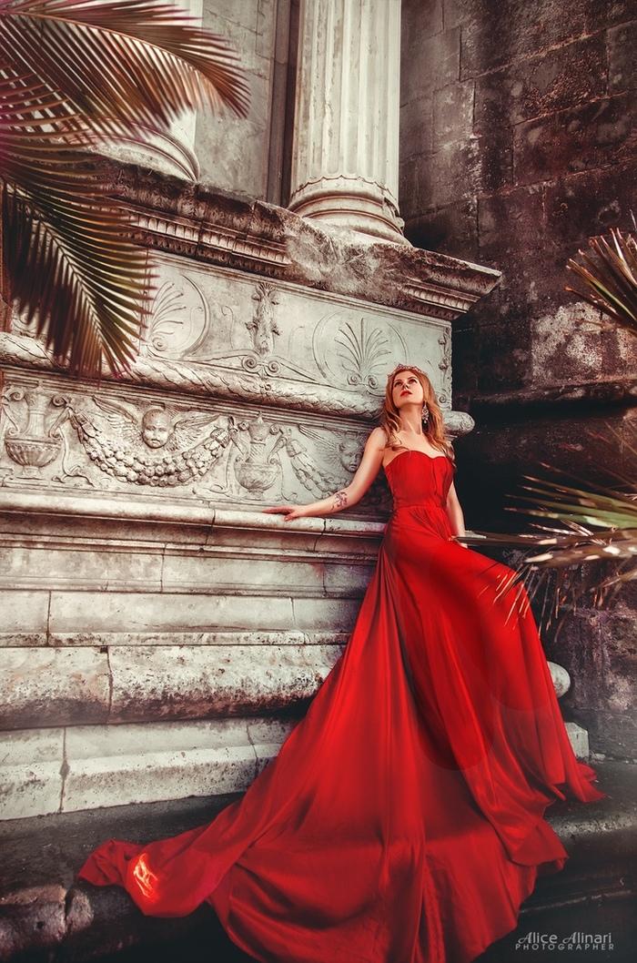 Красная королева Красивая девушка, Замок, Королева, Фотосессия, Архитектура, Длиннопост
