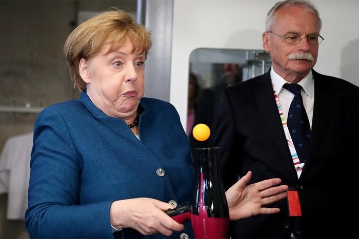 Меркель и магия Ангела Меркель, Магия, Фен, Шарик