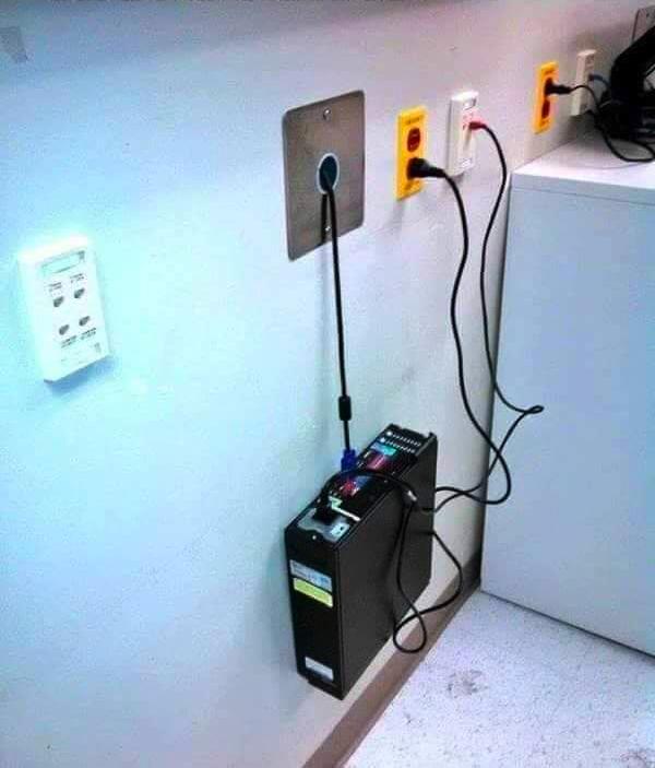 Так вот зачем нужны винтики на VGA-кабелях