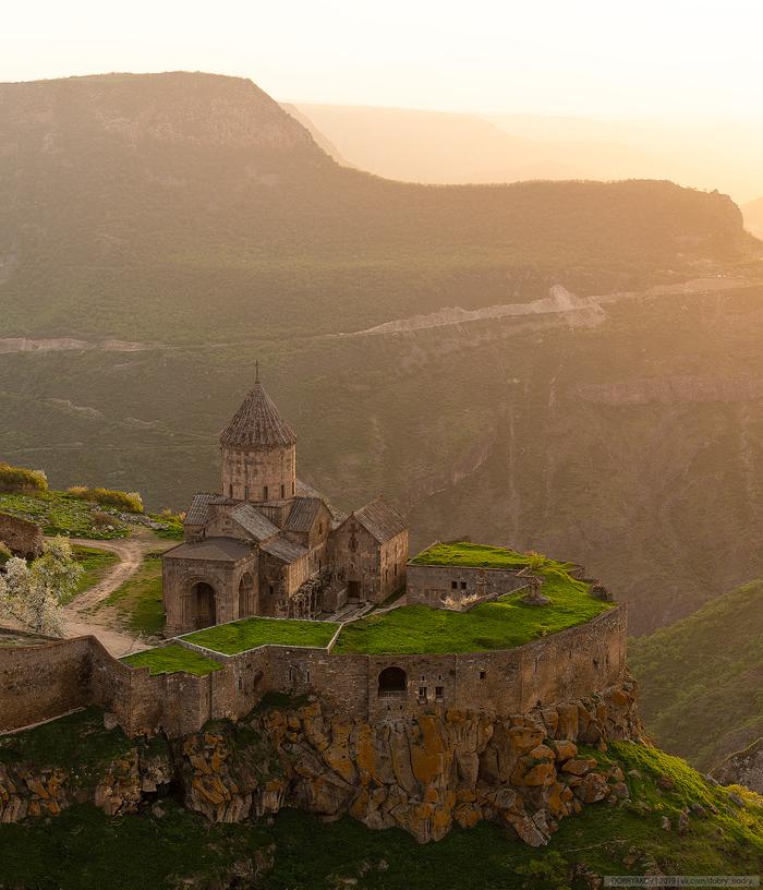 Татевский монастырь на рассвете. Армения, Татев, Пейзаж, Nikon, Монастырь, Фотография, Рассвет