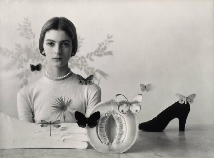 Девушка из 1946 года Фрукты, Красивая девушка, Бабочка, Туфли на высоких каблуках