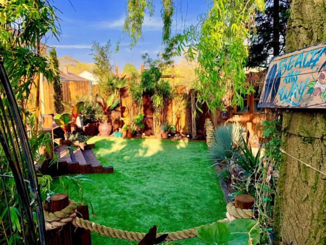 Хочу все знать #290. Британский строитель долго не мог позволить себе отпуск, поэтому создал настоящий тропический рай в собственном саду Хочу все знать, Великобритания, Сад, Тропический рай, Золотые руки, Семья, Интересное, Позитив, Видео, Длиннопост