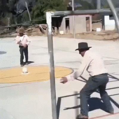 Когда алкаши во дворе просят разок ударить