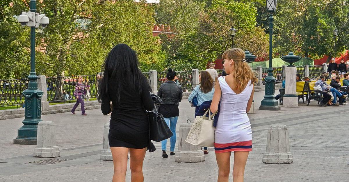 состав соуса женские ноги на улицах города летом фото завтрак для