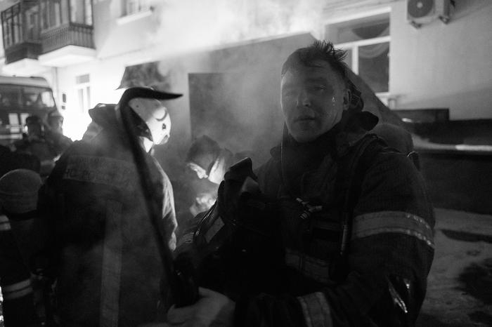 Тяжелая работа пожарных Фотография, Черно-белое фото, Репортаж, Екатеринбург, Длиннопост