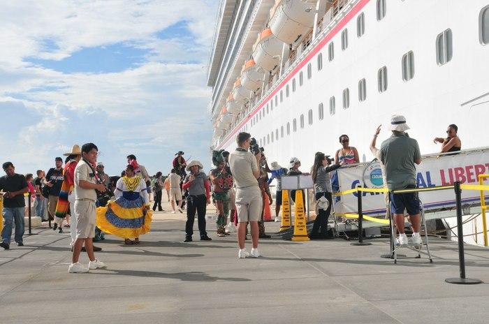 работа фотографом на круизном лайнере вакансии можно
