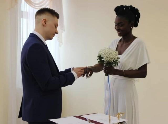 «Зефир в шоколаде»: парень из Якутии послал к черту предрассудки и возражения окружающих и близких и таки женился на нигерийке
