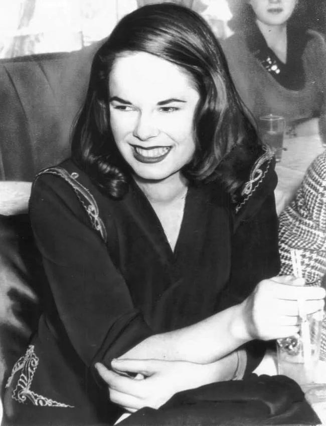 Уна О'Нил. 1943.