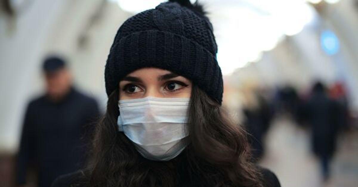 Не болейте: как правильно носить маску, чтобы обезопасить себя в период вируса