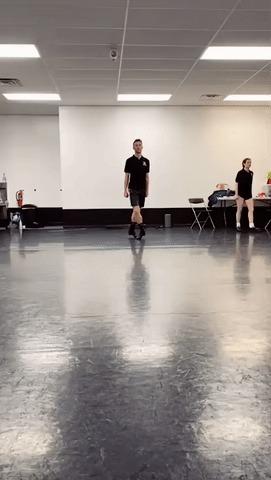 В ирландских танцах ноги живут отдельно от всего остального тела