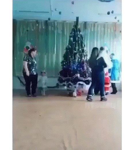 Новогоднего вам в ленту! Новогодняя елка, Дети, Юмор, Гифка, Заяц