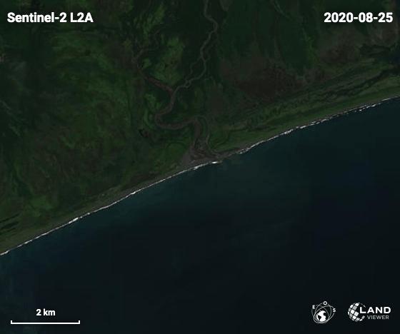 Я купил спутниковый снимок Камчатки от 9 сентября в высоком разрешении, на котором видно как что-то с реки выливается в океан Камчатка, Загрязнение, Гифка, Длиннопост, Загрязнение окружающей среды