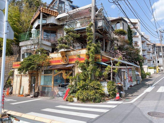 Заброшенный магазин в Токио