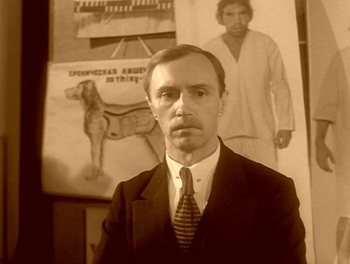 Из-за коронавируса умер актер Борис Плотников