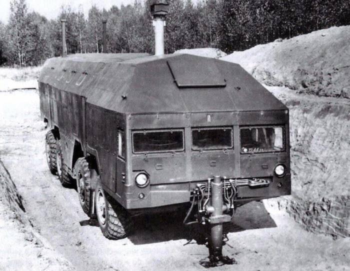 Советский мобильный бункер на колесахумеющий самостоятельно выбраться из-под земли СССР, Военная техника, Бункер, Длиннопост