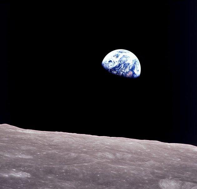 Опубликован раритетный снимок восхода Земли с лунной орбиты Космос, Луна, Земля, Фотография, NASA, Архив, The National Geographic, Общество, Длиннопост