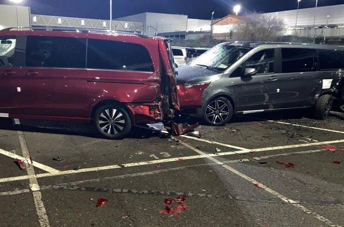 В Испании бывший сотрудник Mercedes-Benz уничтожил 50 машин в знак протеста