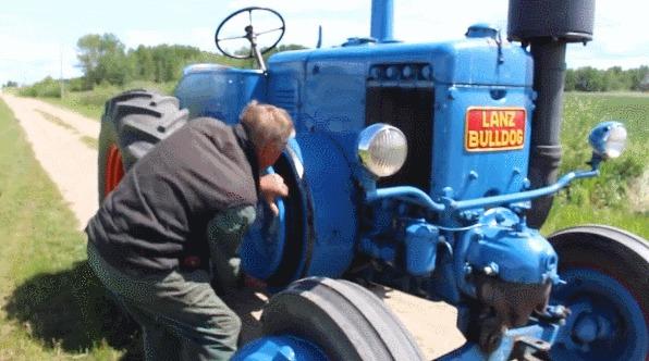 """""""Нефтяной бульдог"""": немецкий трактор с необычной конструкцией мотора Трактор, Сельхозтехника, Дизельный двигатель, Гифка, Длиннопост, Яндекс Дзен"""