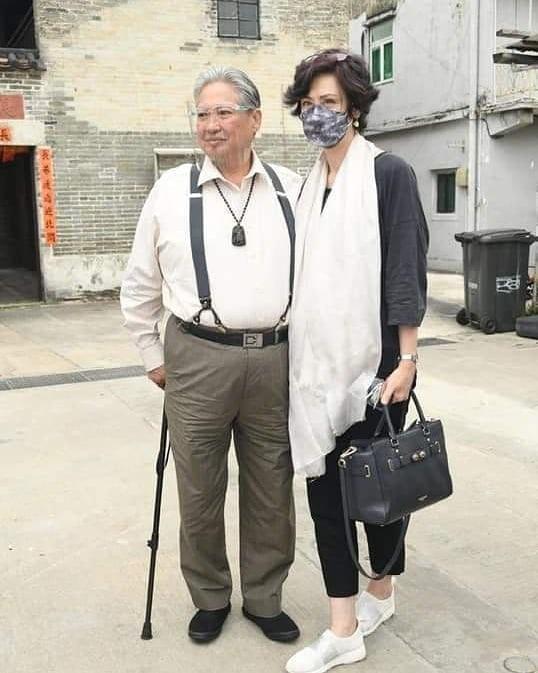Саммо Хун с женой Джойс Годенци