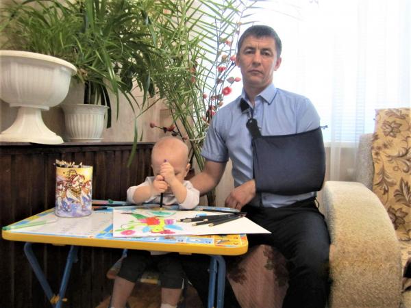 В лечении отказывали, живем на детское пособие: житель Оренбургской области полгода добивался операции Травма, Медицина, Врачи, Бездействие, Медицинские истории, Болезнь, Оренбург, Больница