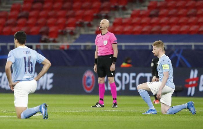 Бригада Карасева не встала на колено перед матчем Манчестер Сити  Боруссия М